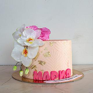 Cake with wafer paper orchids.