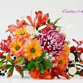 Fall free formed sugar flowers arrangement