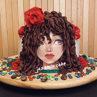 Fondant cake for girl with curly hair 👩🏽🦱