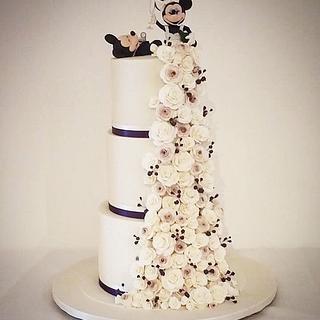 Mickey & Minnie wedding cake