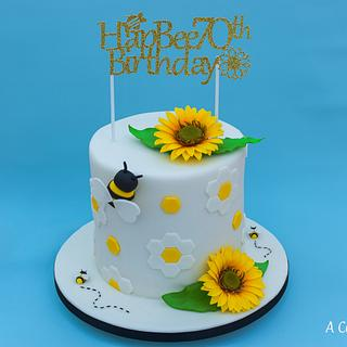 Sunflower & Bee Cake - Cake by Acakeonlife