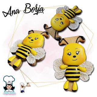 Cute little bee - Cake by NanitaPachita_AnaBorja
