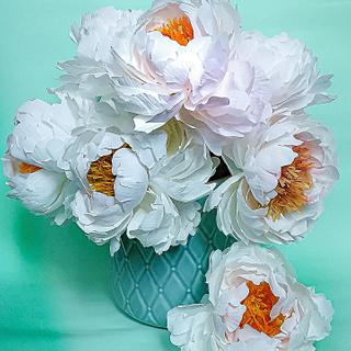 Wafer paper flowers. Peonies