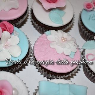 cupcakes for a 18th - Cake by Daria Albanese