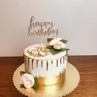 Elegant volleyball cake - Cake by Sweetlosophy