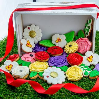 Flower cookies basket