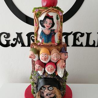 Snow White cake (hand painted)