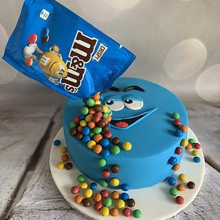 Fun M&M cake - Cake by Roberta