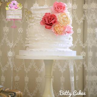 Ruffled wedding cake  - Cake by BettyCakesEbthal