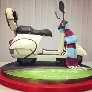 Vespa Cake. - Cake by CAKEMODA