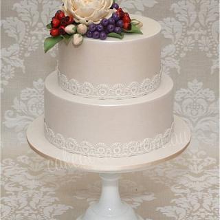 David Austin Rose & Rose Hips Wedding Cake