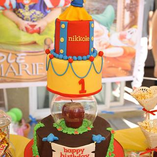 Snow White Cake - Cake by Kara's Custom Design Cakes