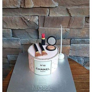 Cosmetics Cake
