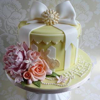 Hat Box cake with peony and roses