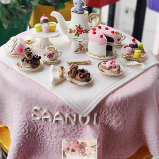 Alice in Wonderland inspired tea party - Cake by Sugarzest