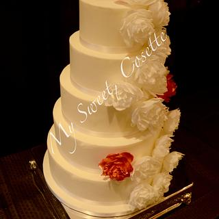 Roses Cake - Cake by Cosette