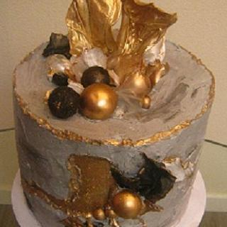 Buttercream concrete fault line cake