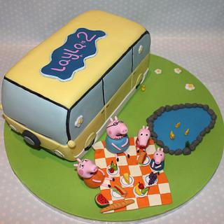 Peppa Pig's Holiday and picnic with the family - Campervan