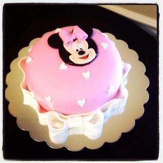 Minnie Mouse theme birthday cake