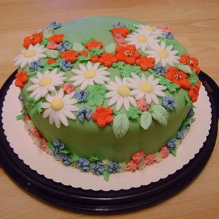 cake with fondant flowers