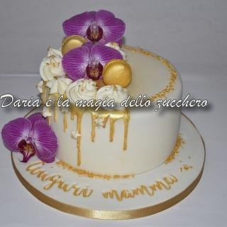 Gold drip cake with orchids - Cake by Daria Albanese