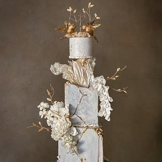 White kintsugi Engagement cake