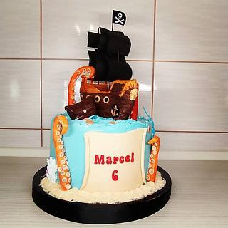 Pirate ship cake - Cake by Tortalie