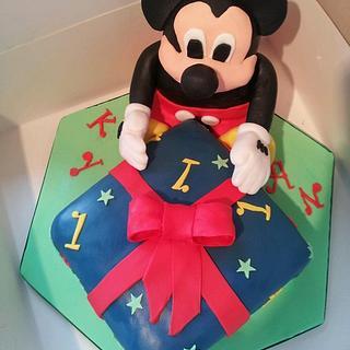 mickey mouse - Cake by countrybumpkincakes
