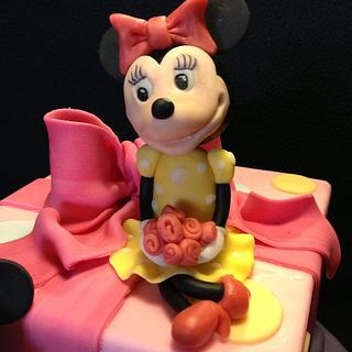 Michey & Minnie on a cake