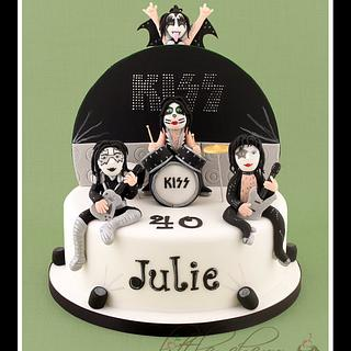Kiss in Concert Cake - Cake by Little Cherry