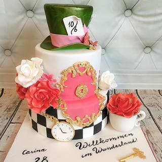 Alice in Wonderland cake - Cake by Marlena