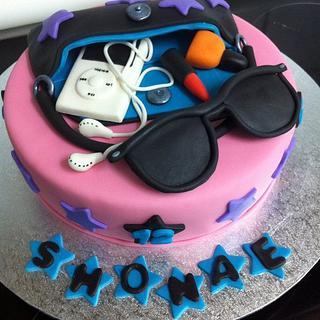 Tween Cake - Cake by Mardie Makes Cakes