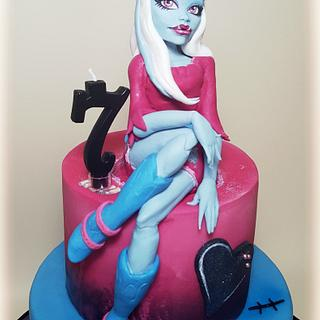 Abbey Bominable: Monster High cake❤