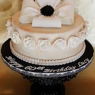 Classic Antique  - Cake by Enza - Sweet-E