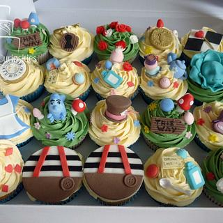 Alice Cupcakes - Cake by Symone Rostron Cakes & Curiosities