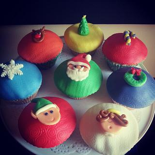 Christmas themed cupcakes - Cake by Edelcita Griffin (The Pretty Nifty)