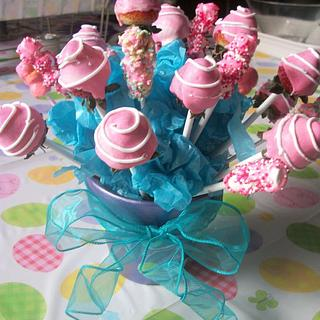 Cake pops... - Cake by Sher
