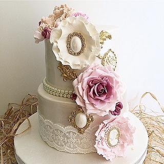 Pearl Vintage Cake