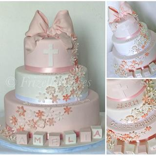 Christening cake with sugar bow - Cake by Frizellecakes