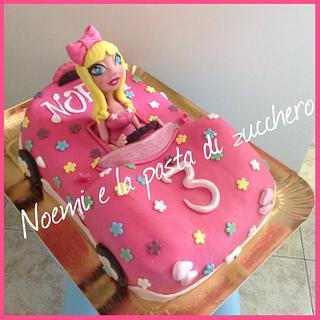 Car's cake with barbie