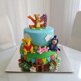 Wini the Pooh  - Cake by Azra Cakes