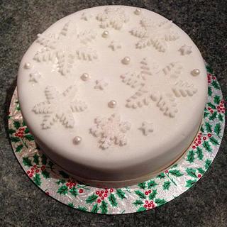 Luxury Christmas Snowflake Cakes - Cake by Kelly Castledine - Kelly's Cakes & Tasty Bakes