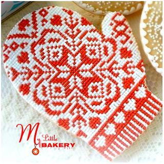 """Mitten Cookie.  - Cake by Nadia """"My Little Bakery"""""""