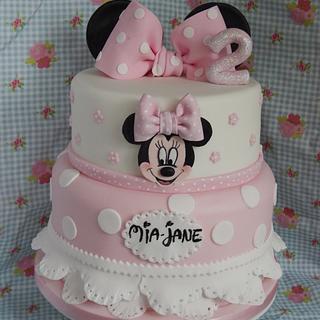Spotty Minnie cake