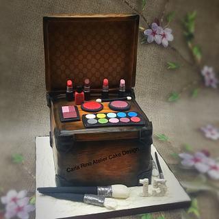 Vintage makeup box