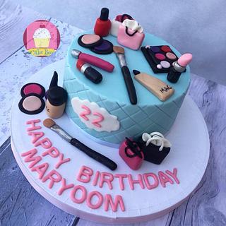 Makeup Themed Cake