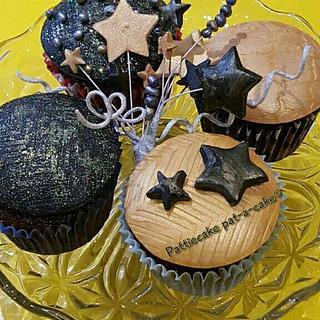 Happy New Year!! 🍾🍰 - Cake by Pattiecake