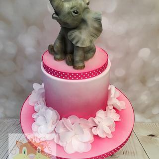 Elephant model cake