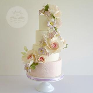 Flower cascade - Cake by Studio53
