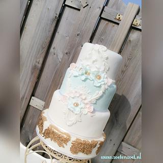 sky blue vintage cake